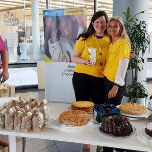 Kuchenverkauf im Post-Campus-Bonn – Charity-Aktion